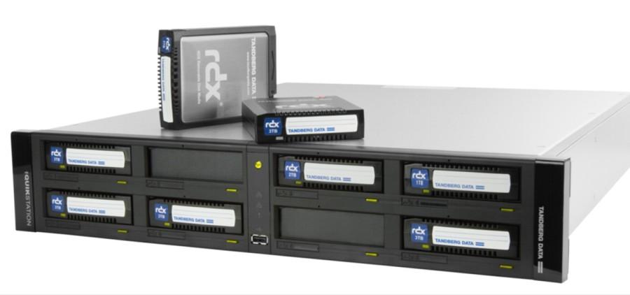 RDX QuikStation 8: appliance iSCSI network-attached con disco rimovibile